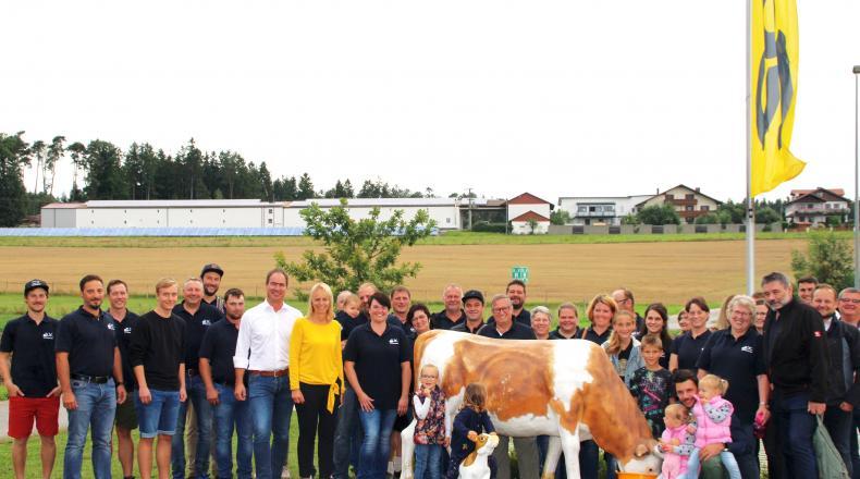 Kuh Berta zu Besuch in Grafenwald